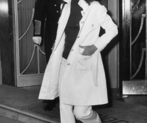 Ron Galella, Jackie Kennedy, Stepping Out