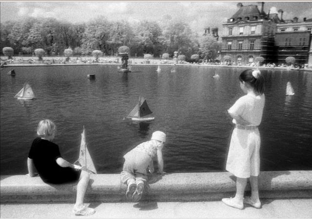 Betsy Cullen, Sunday in Paris