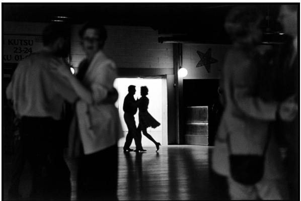 Elliott Erwitt, Finland (Dancers) 2001