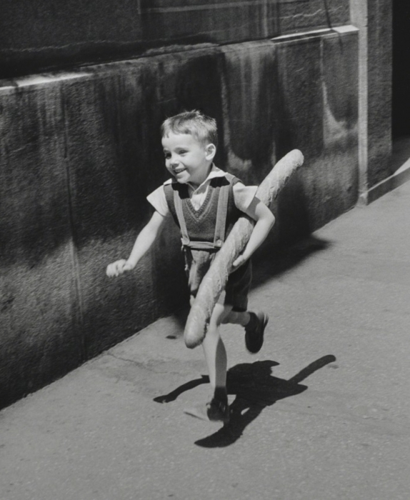 Willy Ronis, A Boy with a Baguette