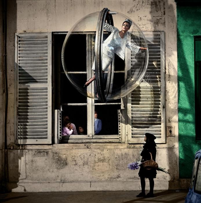Melvin Sokolsky, Woman in Bubble